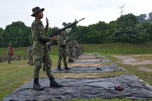 latihan-menembak-putera-tingkatan-5-1